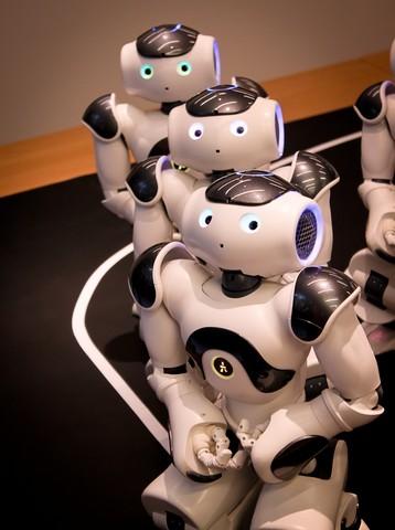 101013 NAO Robot Press Confernece230